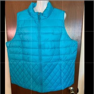Green cold weather vest size 2X Laura Scott Woman